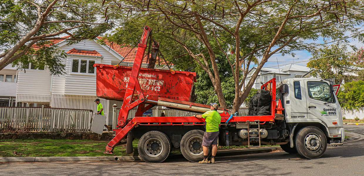 Speedy Bins Delivering a Skip Bin in Brisbane