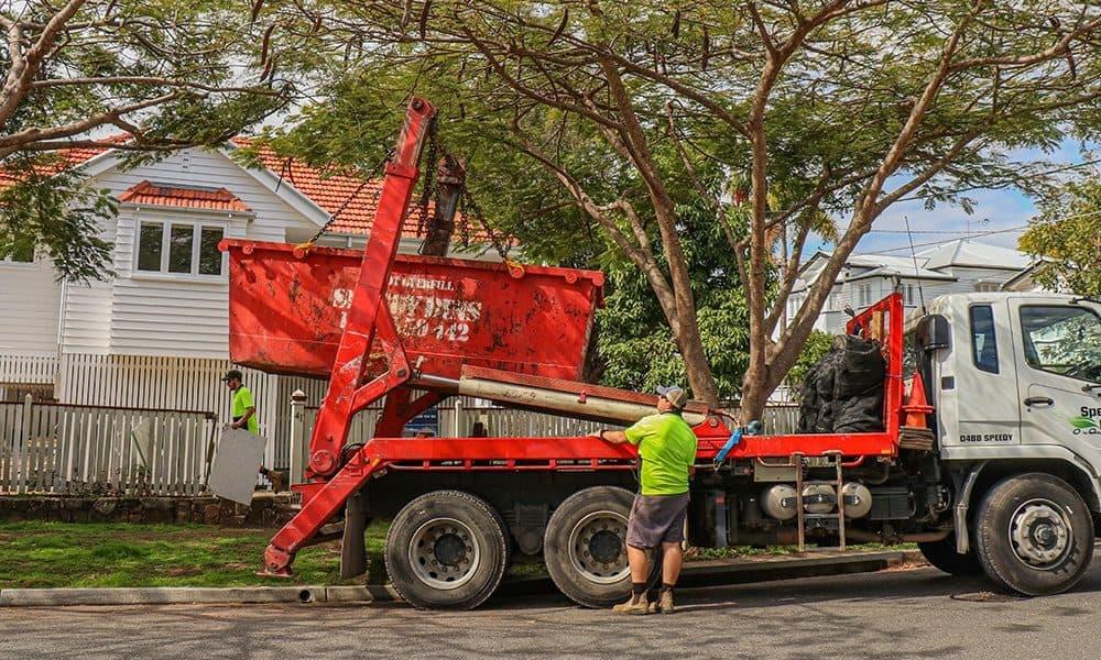 Speedy Bins Delivering a Skip Bin in Brisbane